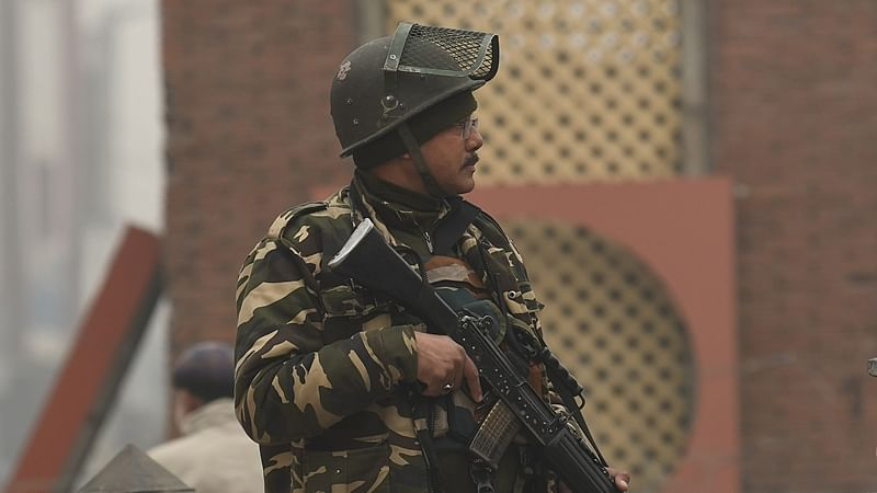 Indian Army gets new American assault rifles to fight against terrorists, Pakistan Army on LoC