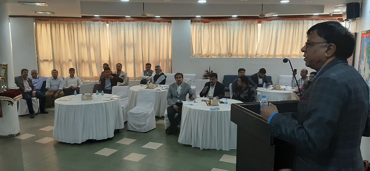 50 heads of various schools discussing issues related to education policy, teaching techniques.