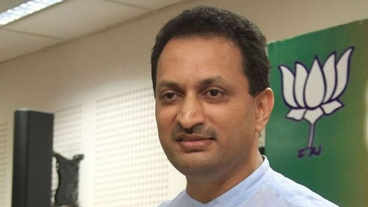 BJP leader Ananth Hegde claims Fadnavis' 80-hour CM stunt was planned to 'save' 40,000 crores