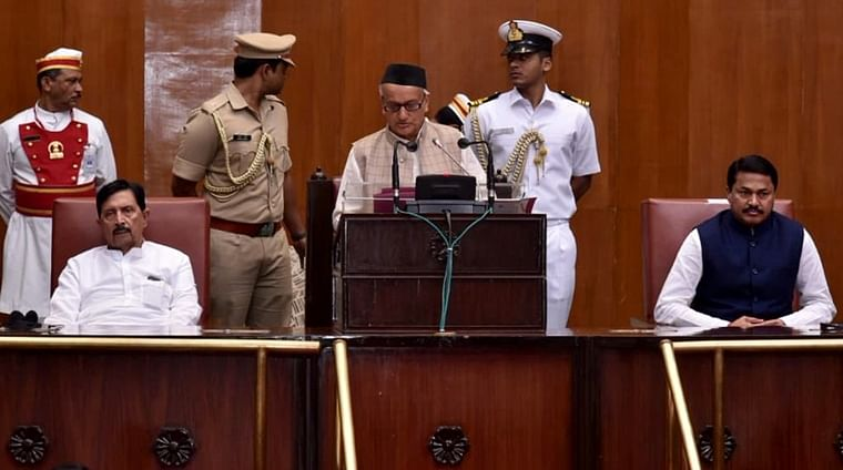 Guv's pleasant surprise: Reads speech in Marathi