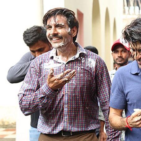 Pati Patni Aur Woh: Cake war on Kartik Aaryan, Ananya Panday's last day of Lucknow schedule