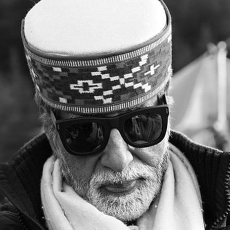 Amitabh Bachchan wears traditional Manali hat, shows gratitude to well-wishers in Himachal