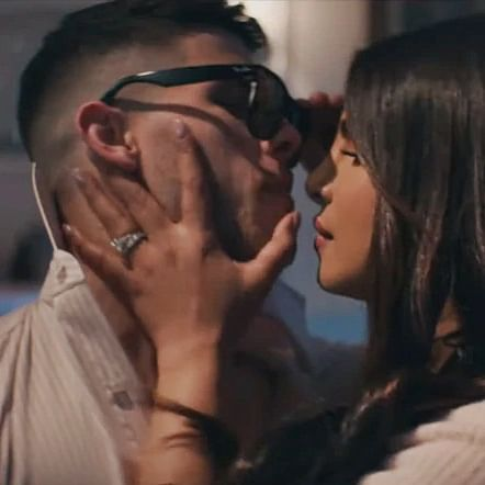 Priyanka Chopra, Nick Jonas' sizzling chemistry in 'What A Man Gotta Do' is setting the internet on fire