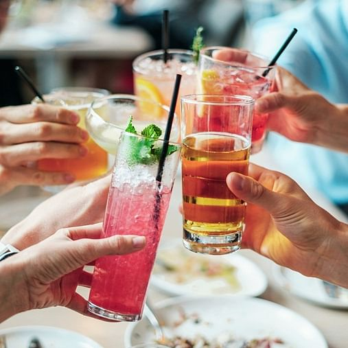 Mumbai: 24x7 rules may not make tipplers happy; restaurants will lose liquor permits if they serve alcohol after 1.30 am