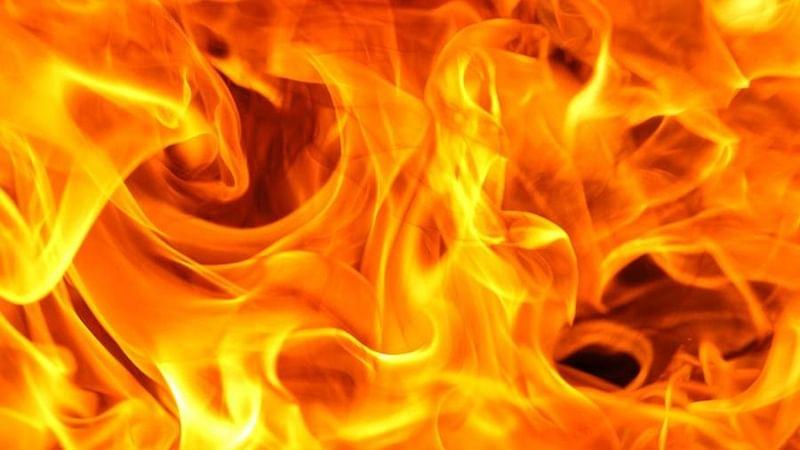 Delhi: Fire broke out in slums of Sarai Rohilla near Liberty Cinema
