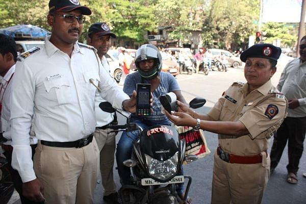 Despite staff crunch, Thane traffic cops net Rs 2.5 crore fine from 93,000 offenders in 2019