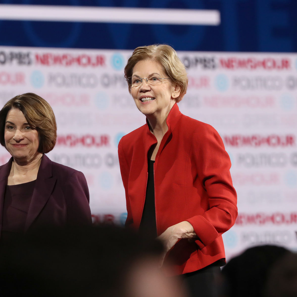 US 2020: Democratic hopeful Elizabeth Warren drops out after Tuesday rout