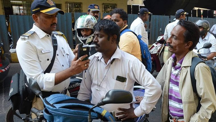 Thane traffic dept continues to take strict action against drink and drive cases