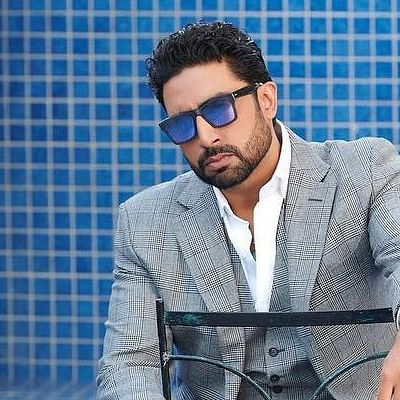 Chelsea fan Abhishek Bachchan receives best wishes from football club