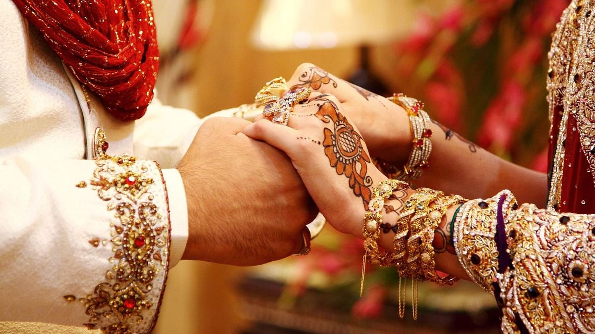UP cops arrange marriage of an eloped couple in police station