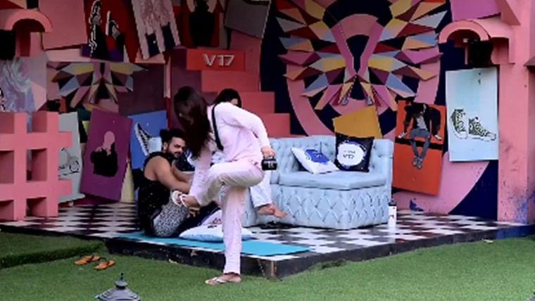 Bigg Boss 13: Vishal and Madhurima's fight takes an ugly turn