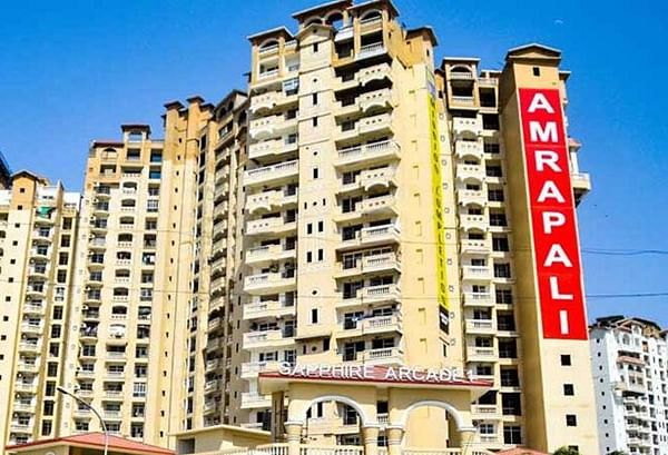 Centre's stand differs on Amrapali Group, Unitech