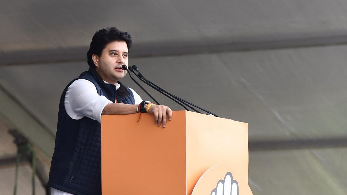 Bhopal: Jyotiraditya Scindia to go to RS, Nath's man to become PCC head