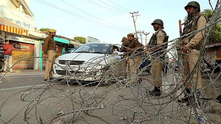 Senior J&K cop Davinder Singh detained with Hizbul, LeT militants in South Kashmir
