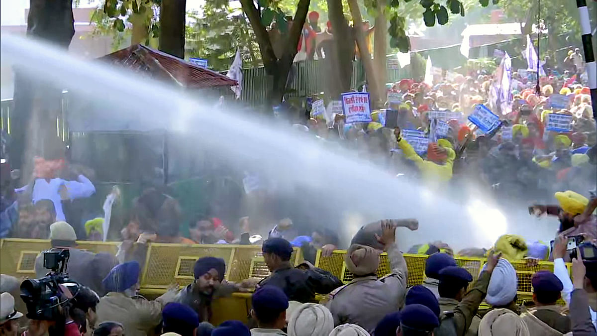 Farmer Protests: AAP leader Jarnail Singh detained after agitation outside PM's residence