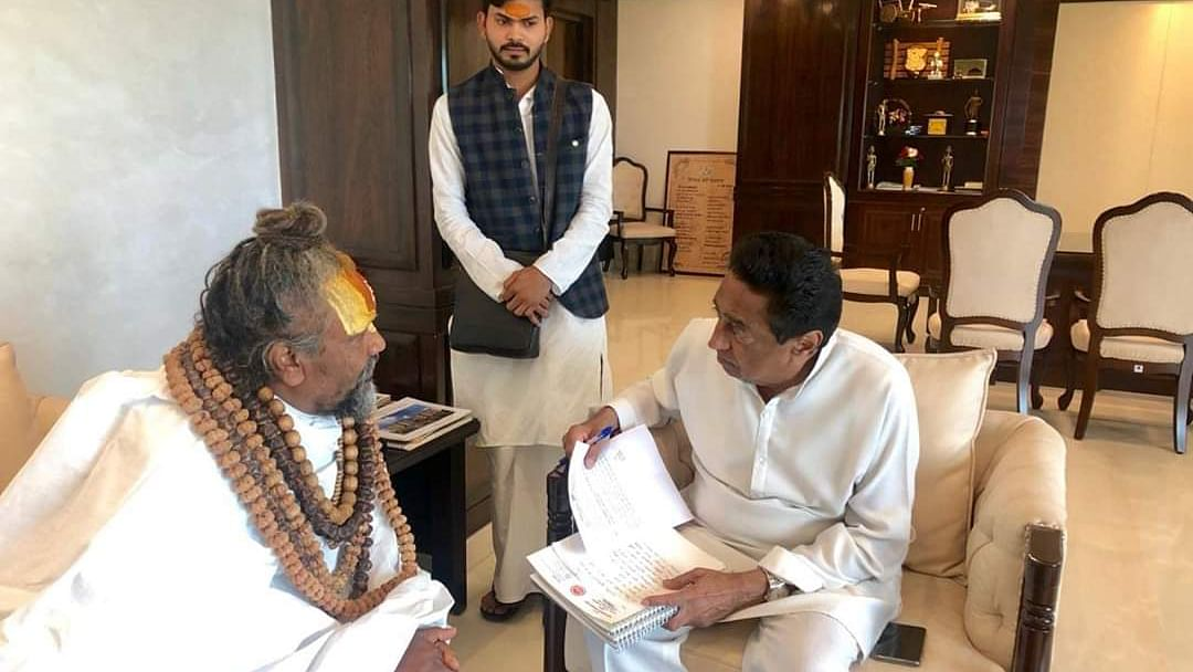 Bhopal: Submitted file on illegal sand mining to CM Kamal Nath, says Computer Baba