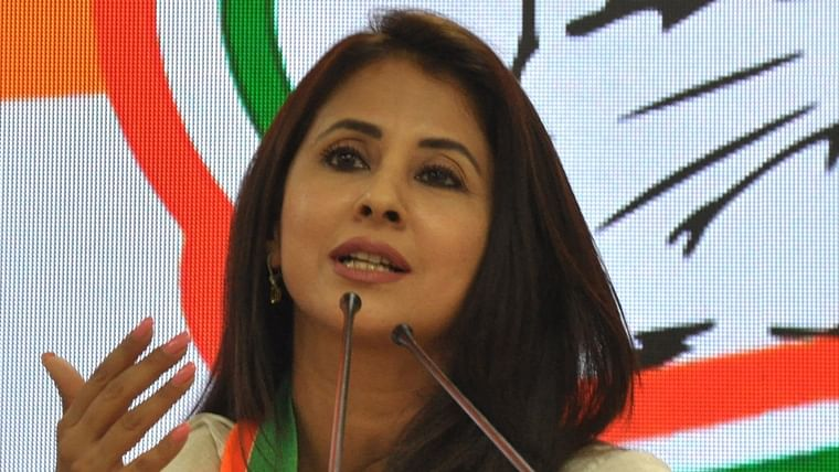 Urmila Matondkar finds support from Pooja Bhatt, Anubhav Sinha and others after Kangana's 'soft porn star' jibe