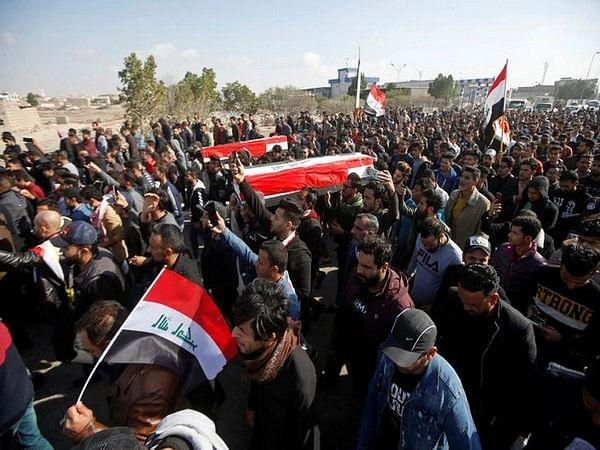 Two Iraqi journalists shot dead while covering anti-government protests