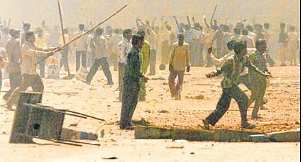 15 Godhra riots convicts get bail; told to do social work