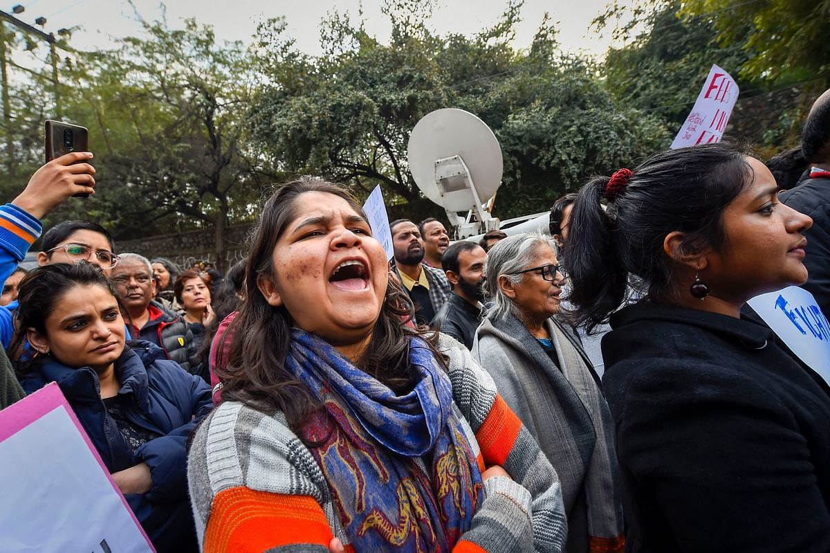 JNUSU writes to PM, slams VC for 'destroying' the University New Delhi
