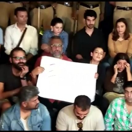 JNU Violence: Anurag Kashyap, Vishal Dadlani join student protesting at Gateway of India