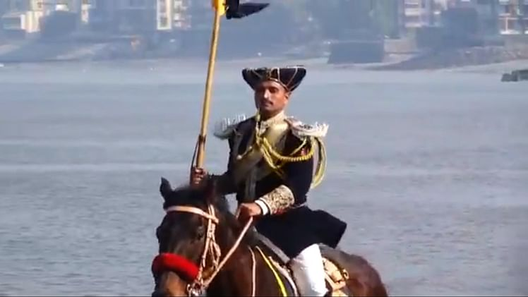 Sporting Manish Malhotra's sherwani, Mumbai Police's mounted unit makes a comeback after 88 years on Republic Day
