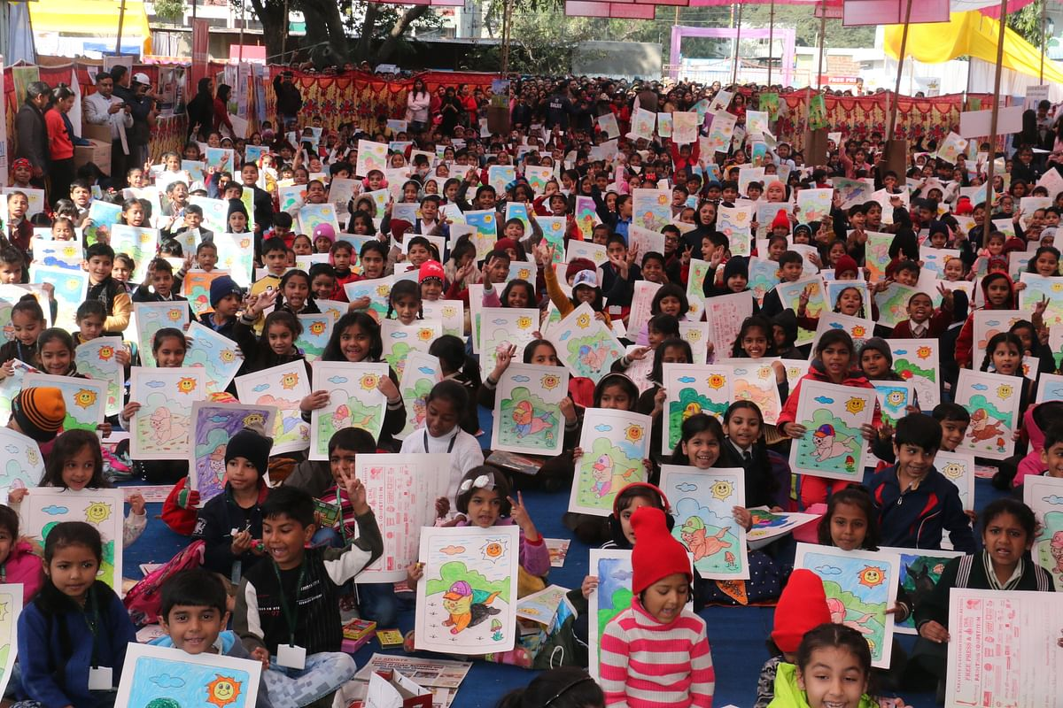 Free Press Painting Competition: Thousands of little stars display creative imagination