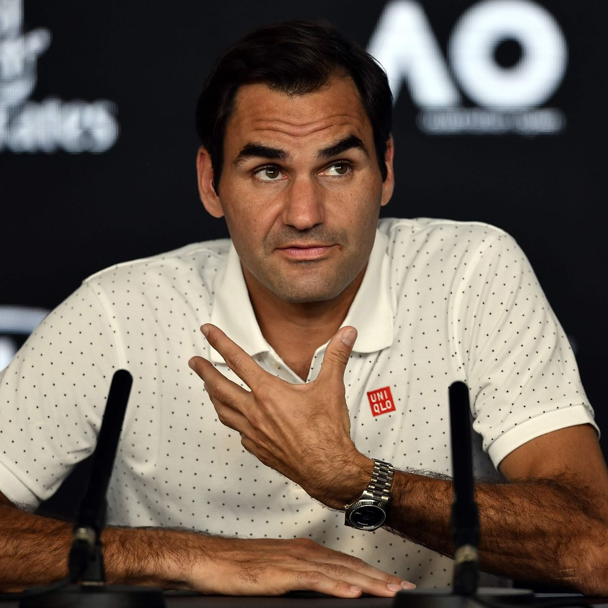 Roger Federer blasts lack of communication