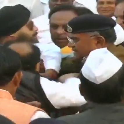 2 Congress leaders enter into brawl during flag hoisting ceremony in Indore