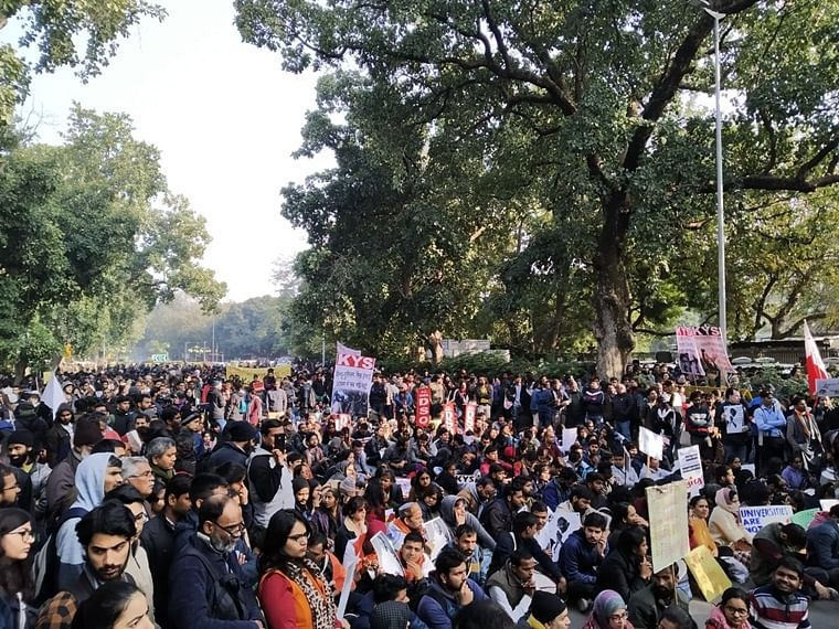 JNU violence protests: Teachers association, JNUSU office-bearers meet HRD officials