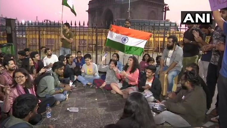 Students gather at Gateway of India to protest against JNU violence