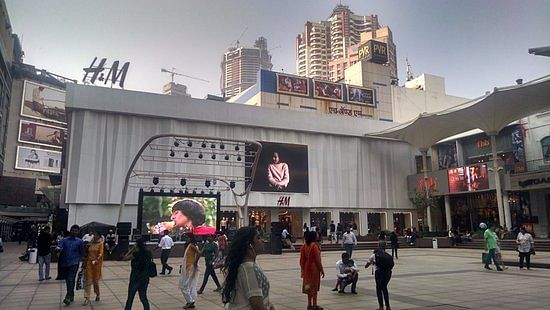 Tepid response to 24/7 initiative at high-end malls