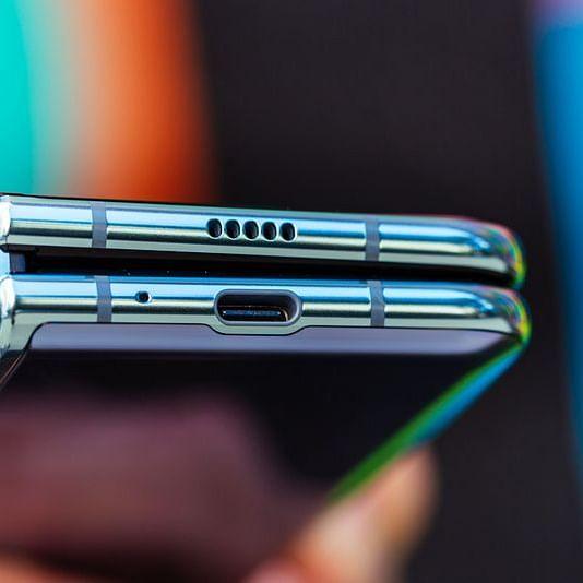 Samsung sold around 4 lakh Galaxy Fold smartphones in 2019