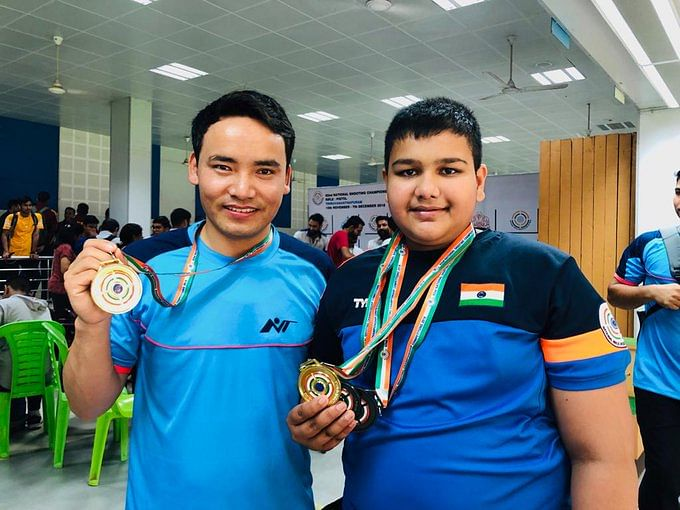 Harshvardhan Yadav (right) won for Maharashtra in boys under-21 25m Rapid Fire Pistol.