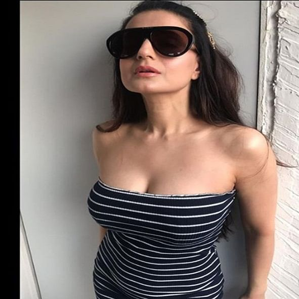 Ameesha Patel learning Ghaziabadi dialect for 'Tauba Tera Jalwa'