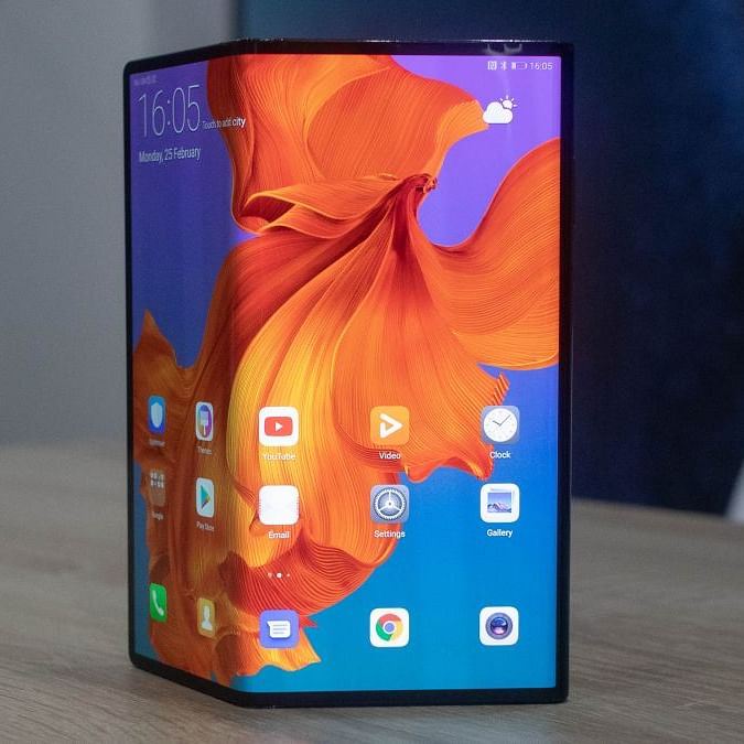 Xiaomi patents foldable smartphone similar to Huawei Mate Xs