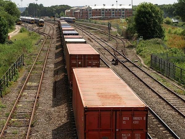 Mumbai: Goods train derails on Harbour Line