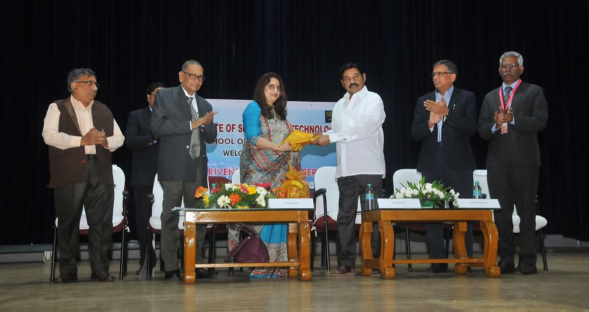 SRM holds fourth edition of Dr. Paarivendhar Lecture Series