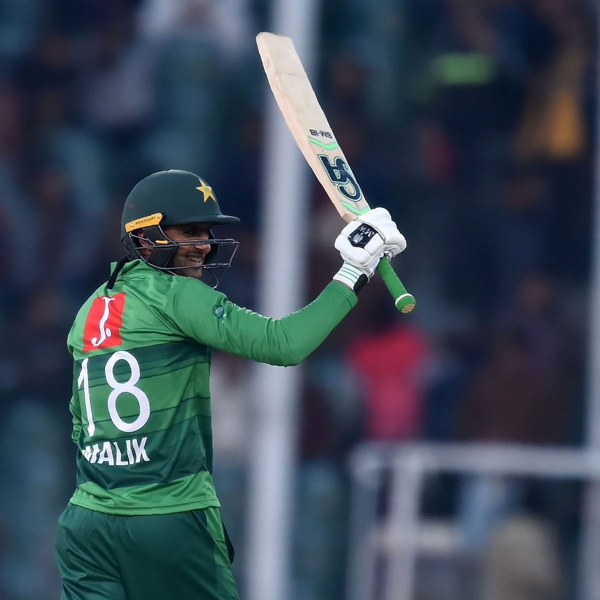 Shoaib Malik stars as Pakistan defeat Bangladesh by 5 wickets