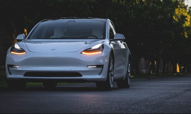 Talking Tesla cars will now ask people to hop in!
