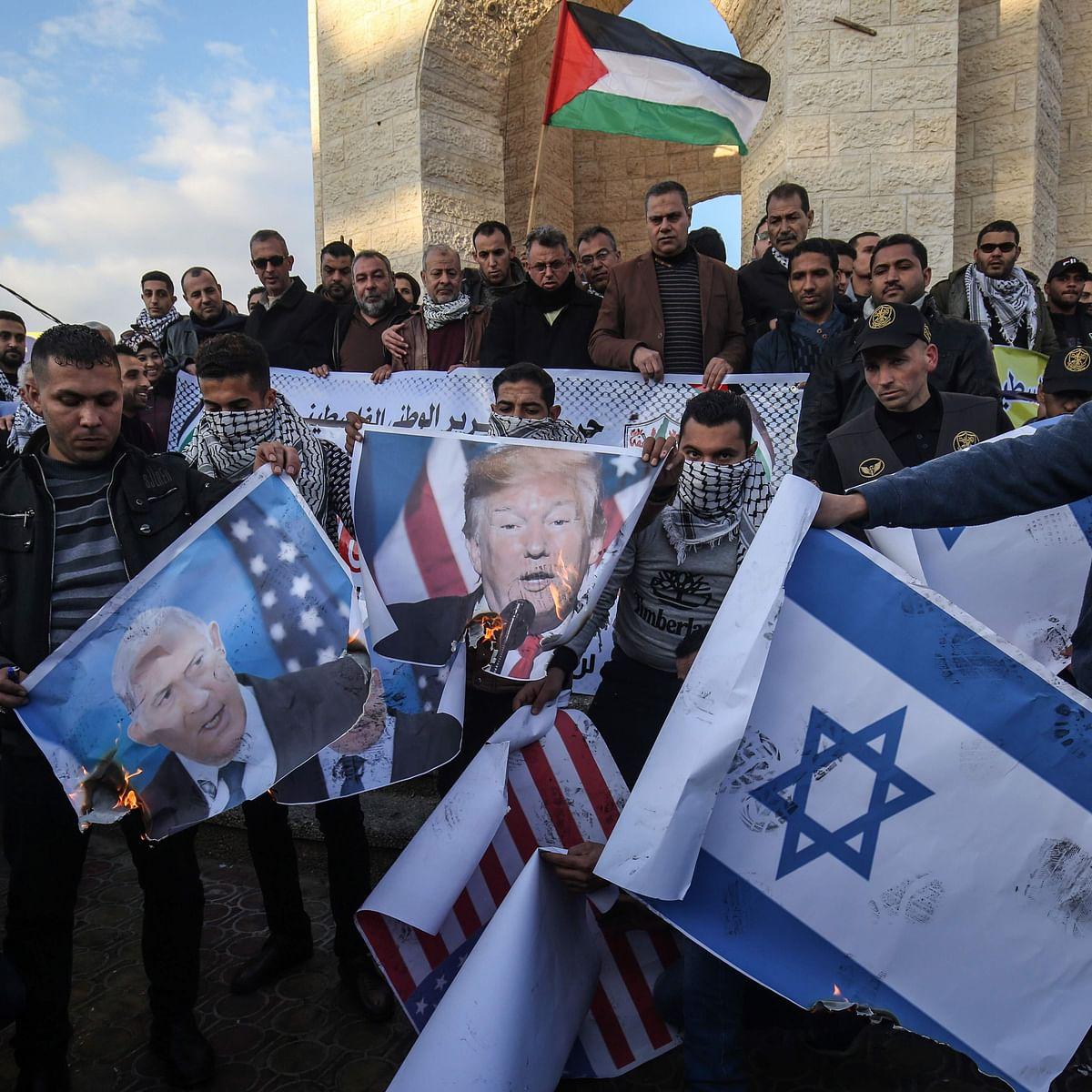 Trump unveils Mideast plan, Palestinians reject it