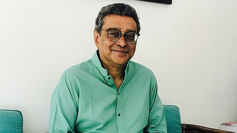 'Locked into room with mob outside': BJP MP Swapan Dasgupta faces protest in Bengal university over CAA meeting