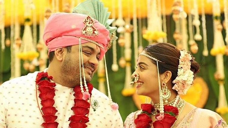 Neha Pendse ties the knot with beau Shardul Bayas; see pics