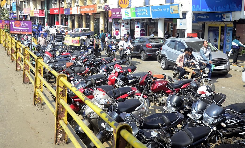 Bhopal: Keeping vehicles outside parking lot to be chargeable