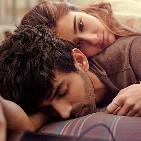 Love Aaj Kal: Sara Ali Khan, Kartik Aaryan's first poster out
