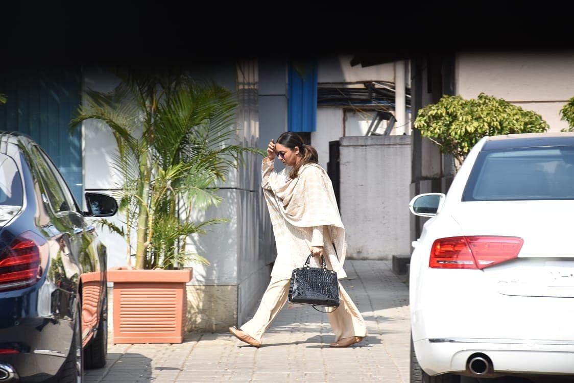 Aishwarya, Amitabh, and other celebs leave for Shweta Bachchan's mother-in-law Ritu Nanda's last rites