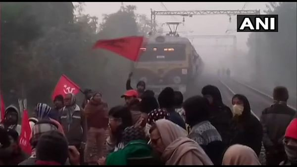 Bharat bandh: Left leaders and trade unions held after trying to stop state-owned buses, stage road blockade