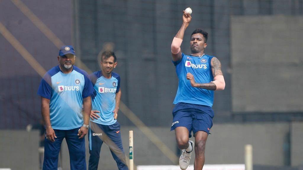 Hardik Pandya trains with Indian cricket team.