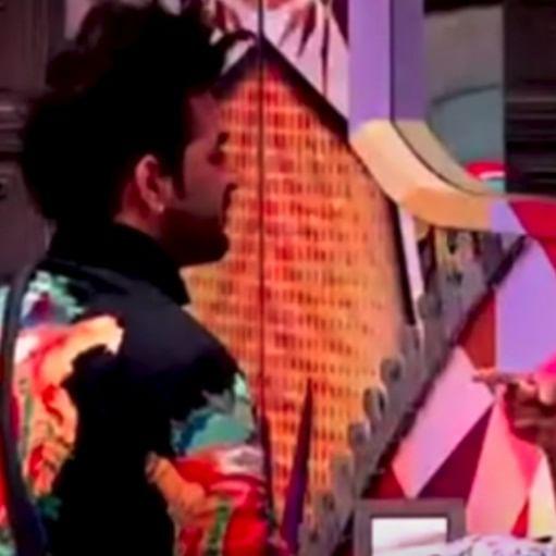 'Bigg Boss 13': Paras's mother warns him over 'Chipta chipta' with Mahira