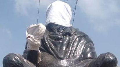 Periyar statue vandalised in Tamil Nadu; Leaders condemn